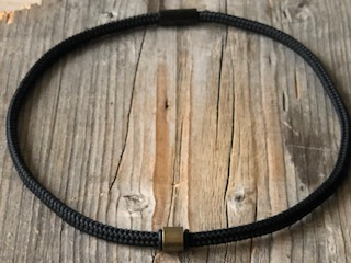 paracord choker necklace